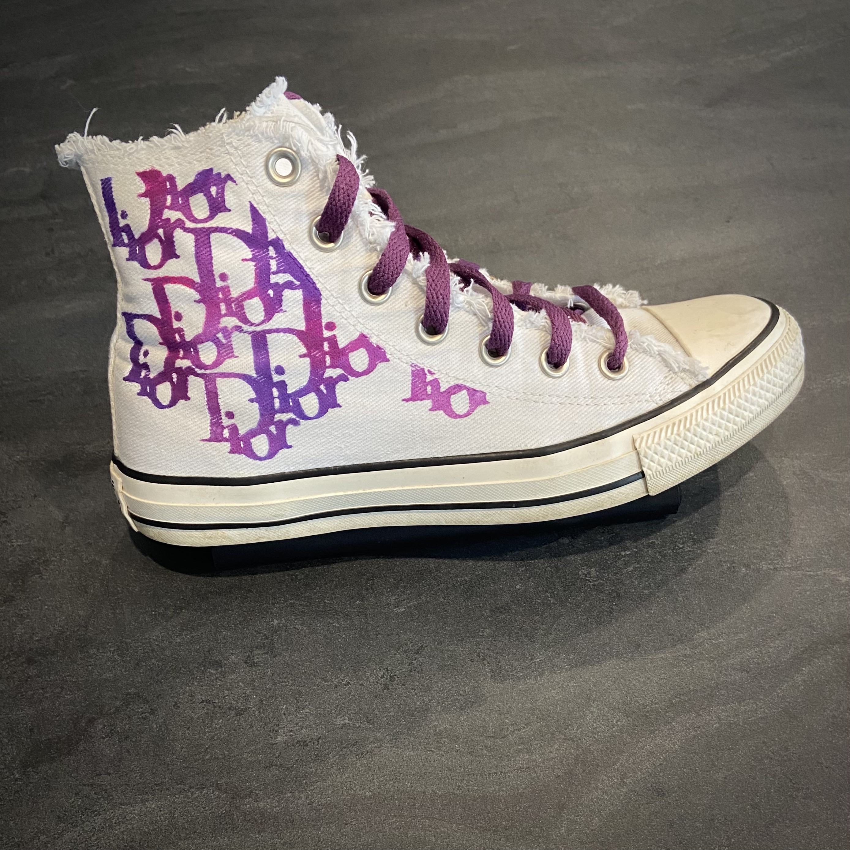 Converse painted Dior